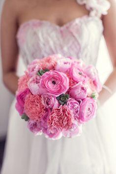 Oooooo, amazing pink wedding bouquet!!!! Joanne and Michael's Romantic Hunter Valley Wedding
