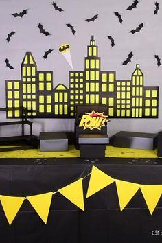 Batman Party Decorations, Party Themes, Birthday Decorations, Batman Comic Art, Gotham Batman, Batman Robin, Batman Birthday, Superhero Birthday Party, Batman Arkham Origins