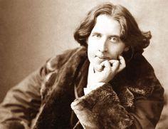 """""""Ogni santo ha un passato, mentre ogni peccatore ha un futuro.""""  http://aforismi.meglio.it/aforismi-di.htm?n=Oscar+Wilde"""