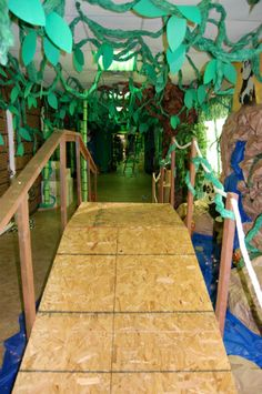 jungle safari decorations for vbs Deco Jungle, Jungle Party, Safari Party, Safari Theme, Jungle Theme, Jungle Safari, Jungle Decorations, School Decorations, Dance Decorations