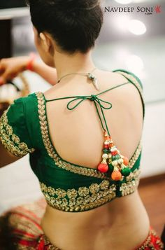 100 Sexy Low Back blouse Designs For Indian Women - Outfits Hunters Choli Designs, Sari Blouse Designs, Saree Blouse Patterns, Blouse Styles, Lehenga Designs, Indian Attire, Indian Wear, Indian Outfits, Mehndi