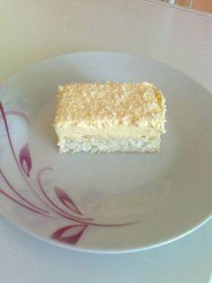 Vanilla Cake, Restaurant, Desserts, Food, Raffaello, Tailgate Desserts, Deserts, Restaurants, Meals