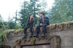 The 100 behind the scenes || Marie Avgeropoulos || Bob Morley || Octavia || Bellamy || Blake sibilings