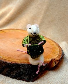 Cute little mouse with lavender bag!  - Adorable one of a kind needle felted mouse!