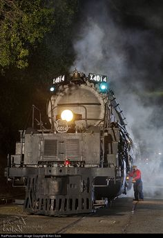 Net Photo: UP 4014 Union Pacific Steam at Pomona, California by Ken Szok Locomotive Diesel, Steam Locomotive, Train Car, Train Tracks, Image Train, Railroad History, Union Pacific Railroad, Railroad Photography, Old Trains