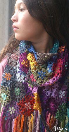 atty's: Crochet Flower Scarf made with leftoverss ƬⱤღ✿༻