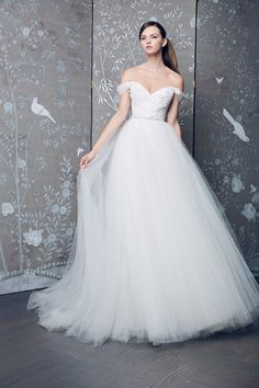 561c804cc9 30+ Fall Wedding Dresses That Every Bride Needs to See