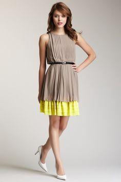 Jessica Simpson  Sleeveless Two-Tone Pleated Dress