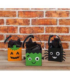 Cricut® Creepy Critters Cartridge | DIY Halloween Home Decor