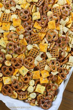 Ranch Chex Mix made for a crowd. My favorite snack mix is loaded with peanuts, cheese crackers, pretzels, and rice cereal. This easy zesty Ranch Chex Mix is perfect for parties and school lunches. Snack Mix Recipes, Appetizer Recipes, Cooking Recipes, Snack Mixes, Trail Mix Recipes, Lunch Snacks, Yummy Snacks, Healthy Snacks, Party Snacks