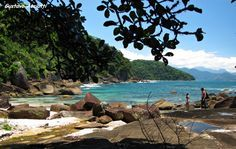 Praia das Conchas - UbatubaFor lazy days I don´t think you wanna hiking to erach the beach ehehe but it´s beautiful Go Brazil, Places To Travel, Places To Go, Heaven On Earth, South America, Travel Tips, Tourism, Beautiful Places, Around The Worlds