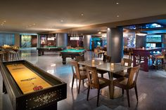 Hard Rock Café di Cancun ha scelto Trend Surfaces perché è adatto a rivestire pavimenti ad alto traffico. - Hard Rock Café Cancun chose Trend Terrazzo because of its adaptability for covering floors with continuous traffic.