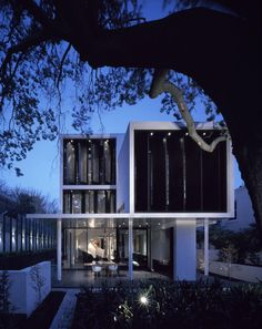 Verdant House in Melbourne, Australia by Robert Mills Architect Pty Ltd