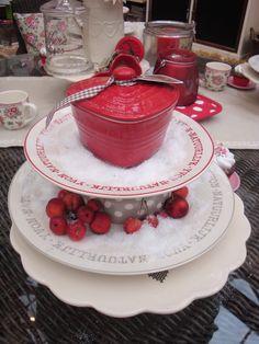 Natuurlijk Yvon, in red Kitchen Utilities, Red And White, Shabby Chic, Chocolate, Interior, Desserts, Accessories, Vintage, Food