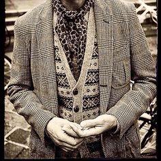 #dandy#preppy#rolex#pitti#pittiuomo#sartoria#bespoke#menswear#menstyle#style#followme#gq#moda#mensfashion#instagood#sprezzatura#gentleman#fashion#donjohnson#suit#loafers#ralphlauren#miamivice#sonnycrockett#tagsforlikes#styledeluxe#80s#70s#highfashion