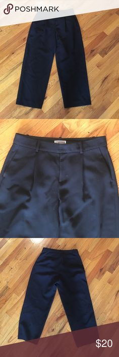 Black dress cropped pants size 2 perfect condition Cropped black dress pants size 2 brand: Chelsea 28. Perfect condition and very comfortable! Low rise wide leg cropped pant Pants Ankle & Cropped