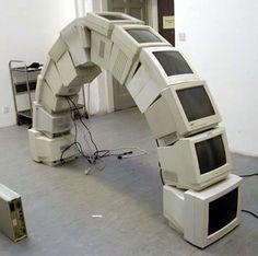 パソコンのCRTモニター・ブリッジ