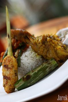 Nasi Campur Bali #Indonesian recipes #Indonesian cuisine #Asian recipes #Asian cuisine http://indostyles.com/
