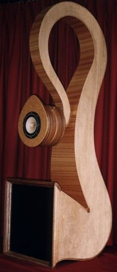 The magnificent handcrafted Tiresse horn speaker system makes a big statement through size, shape and sound. Almost 2 metres high and weighing 40kg, the M8 mode