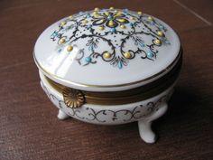 Vintage Porcelain Boxes | Vintage Porcelain Trinket Box with Gold and Enamel