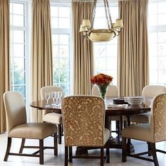 Classic Chic Home: Dreaming of a Round Dining Room Table