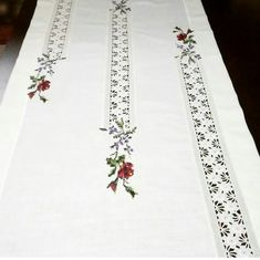 Crochet Tablecloth, Crochet Doilies, Crochet Lace, Crewel Embroidery, Ribbon Embroidery, Embroidery Designs, Bird Quilt Blocks, Hessian Table Runner, Viking Tattoo Design