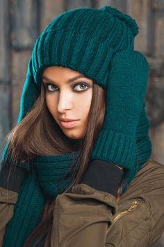 Купить Модный зимний комплект (Шерсть 80%, Полиакрил 20%, Бирюзовый), за 4 950 руб в интернет-магазине LEKSO.ru. Размер: One size (54-58 см), артикул: 6071-71.