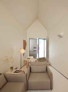 4rooms porto, a b in portugal by architect Eduardo Souto de Moura