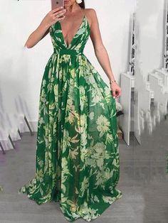 50 Fashion, Green Fashion, Fashion Prints, Womens Fashion, Vacation Dresses, Beach Dresses, Long Dresses, Flowy Floral Dress, Passion For Fashion