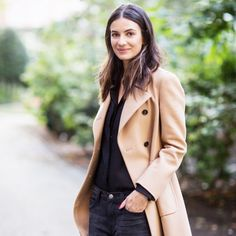 Keeping it cool in camel. // #StreetStyle #coat