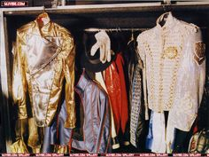 history tour clothes