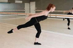 Arms Of Steel: They Really Can Be Yours via Xtend Barre Elle Ballet Barre Workout, Cardio Barre, Pilates Workout, Exercise, Barre Fitness, Dancers Body, Take Care Of Your Body, Toned Arms, Qigong