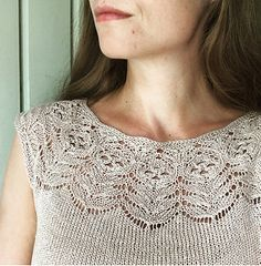 Ravelry: Rosenrot / Roseroot pattern by Lene Tøsti Summer Knitting, Lace Knitting, Knitting Stitches, Free Knitting Patterns For Women, Knit Cardigan Pattern, Lace Patterns, Knitted Hats, Pullover, Outfit