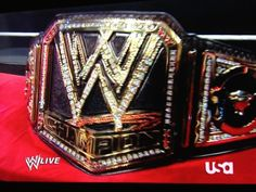 New WWE belt shown by the Rock! Wwe Championship Belts, Wwe Party, Wwe 2, Wwe Belts, Wwe Photos, Wwe Superstars, Parties, Wrestling, Baby Shower