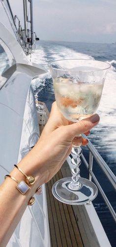 #luxuryyachtparty