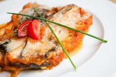 Lilkové lasagne s mozarellou / Eggplant lasagna with mozzarella Eggplant Lasagna, Queso Fresco, Expensive Taste, Le Chef, Empanadas, Mozzarella, Quiche, Good Food, Food And Drink