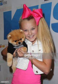 Dancer/TV personality JoJo Siwa poses with JIff the Dog at the 1027 KIIS FM's Annual Teen Choice PreParty at W Los Angeles Westwood on August 14 2015...