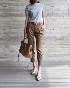 18 Smart Casual Wear For Summer Ideas 18 18 Smart Casual Wear For Summer Ideas * remajacantik Smart Casual Outfit, Casual Work Outfits, Office Outfits, Work Casual, Simple Outfits, Casual Chic, Trendy Outfits, Fall Outfits, Casual Summer