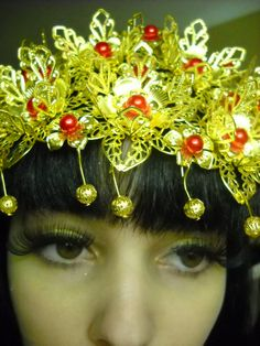 Chinese Phoenix crown + makeup tutorial by Electrofries watch HD: https://www.youtube.com/watch?v=RqS531xFYWQ  Product: http://www.ebay.com/itm/361226583749?_trksid=p2059210.m2749.l2649&ssPageName=STRK%3AMEBIDX%3AIT  Ebay Store: http://www.ebay.com/usr/myfreerange?_trksid=p2047675.l2559