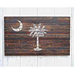 Planked South Carolina Palmetto Flag Wall Decor. I want this for my back deck.