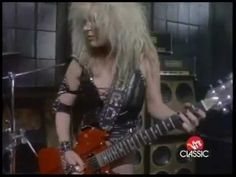 Lita Ford: Out for blood, NOBODY looks hotter rockin'a BCR than Lita \m/
