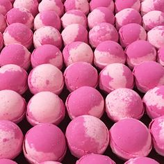 bathbombbootcamp.com/   WHOLESALE BATH BOMBS  ?Proudly selling to retail stores, boutiques, spas, salons, kiosks, and more...  ?100% Guaranteed!  ?FREE SHIPPING ON ORDERS OVER $80.00!  866-253-7502