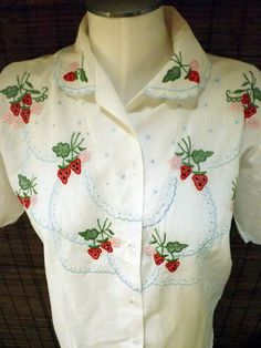 Vintage Embroidered Strawberries White cotton Pan Collar Lolita blouse M-L