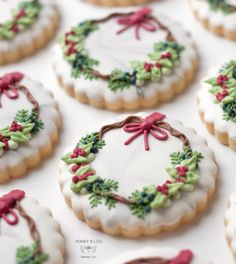 Cute Christmas Cookies Edition - The best fun, decorated royal icing Christmas cookie ideas. Cute ideas for a gift exchange, for kid - Christmas Wreath Cookies, Christmas Sweets, Christmas Cooking, Holiday Cookies, Holiday Treats, Christmas Recipes, Christmas Parties, Holiday Recipes, Dinner Recipes