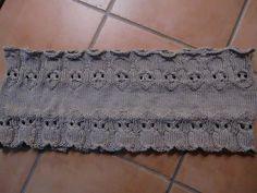 Une chouette pour un dessin chouette : je vous propose ce modèle original qui a 2 cotés tricotés avec le dessin des chouettes
