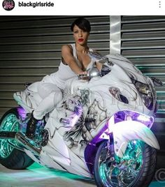 Motorcycles, bikers and more - Motorrad Welten - Custom Street Bikes, Custom Sport Bikes, Futuristic Motorcycle, Suzuki Motorcycle, Biker Chick, Biker Girl, Black Girl Riding, Up Auto, Looks Country