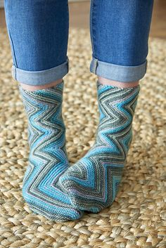 Ravelry: Smokey Zickzacks Socks pattern by Natalia Vasilieva