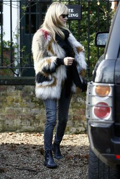 Thank you, Kate...for fur (more Kate Moss today on chicityfashion.com)