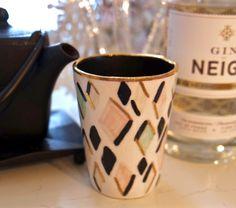Blanc de Neige est un cocktail réalisé à base de thé blanc et de Gin de Neige.