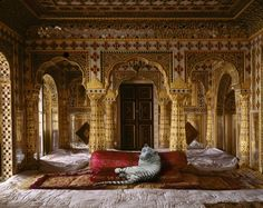 Photographer Karen Knorr asks you to see India in a whole new light